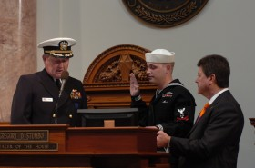 MM2(SS) David S. Brunner Reenlists